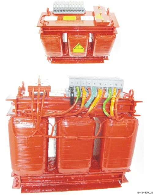 Three-phase power transformer